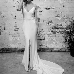 Karen Willis Holmes 'Caroline' wedding gown